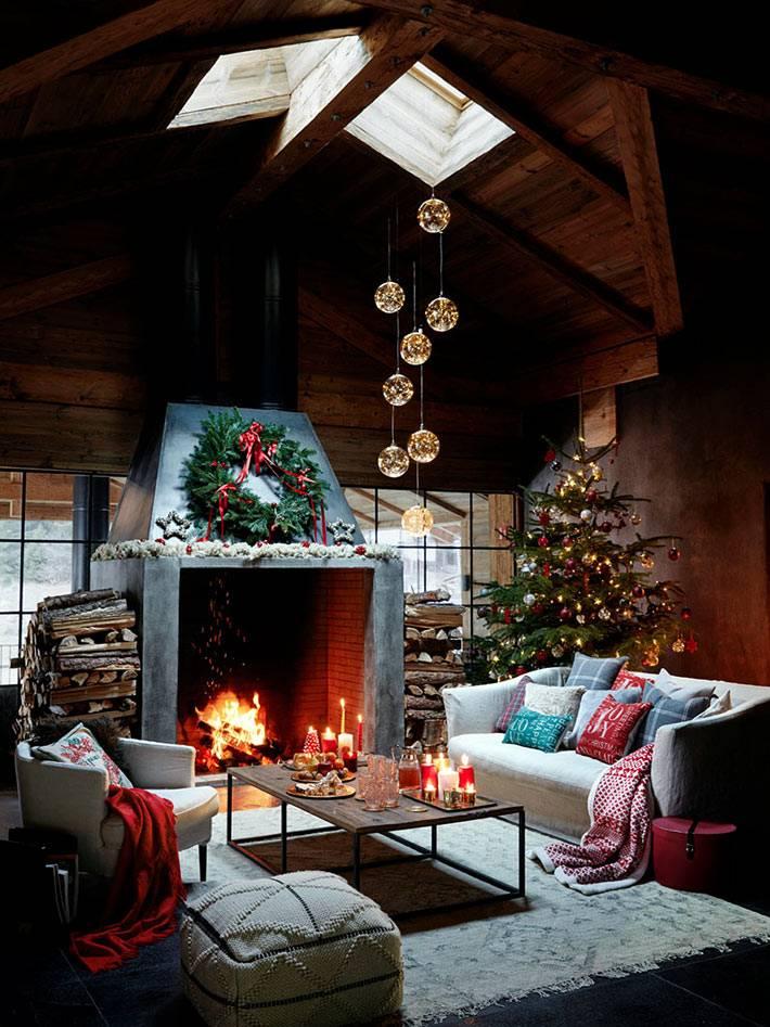 новогоднее украшение деревянного коттеджа от бренда Zara Home