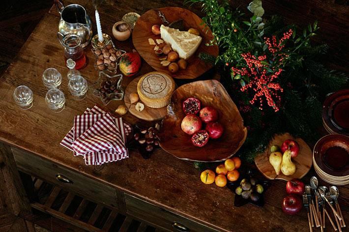деревянные аксессуары Zara Home в новогодней сервировке стола