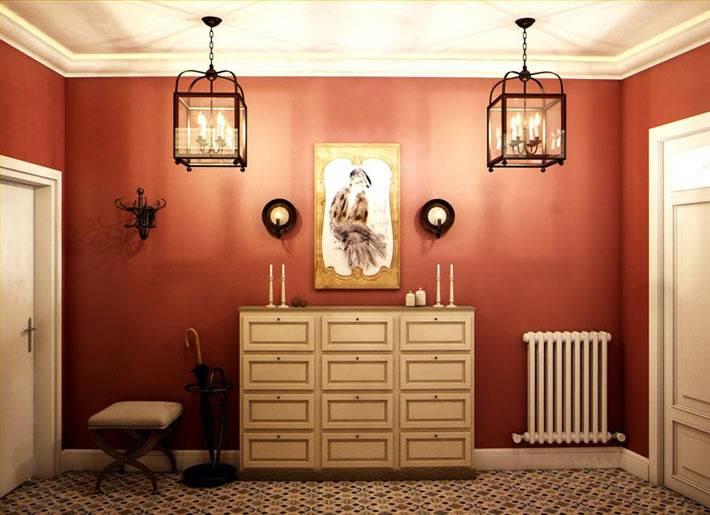 обои терракотового цвета в большой прихожей в доме