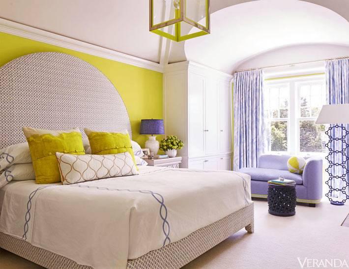 светло зеленый и фиолетовый цвета для оформления спальни фото