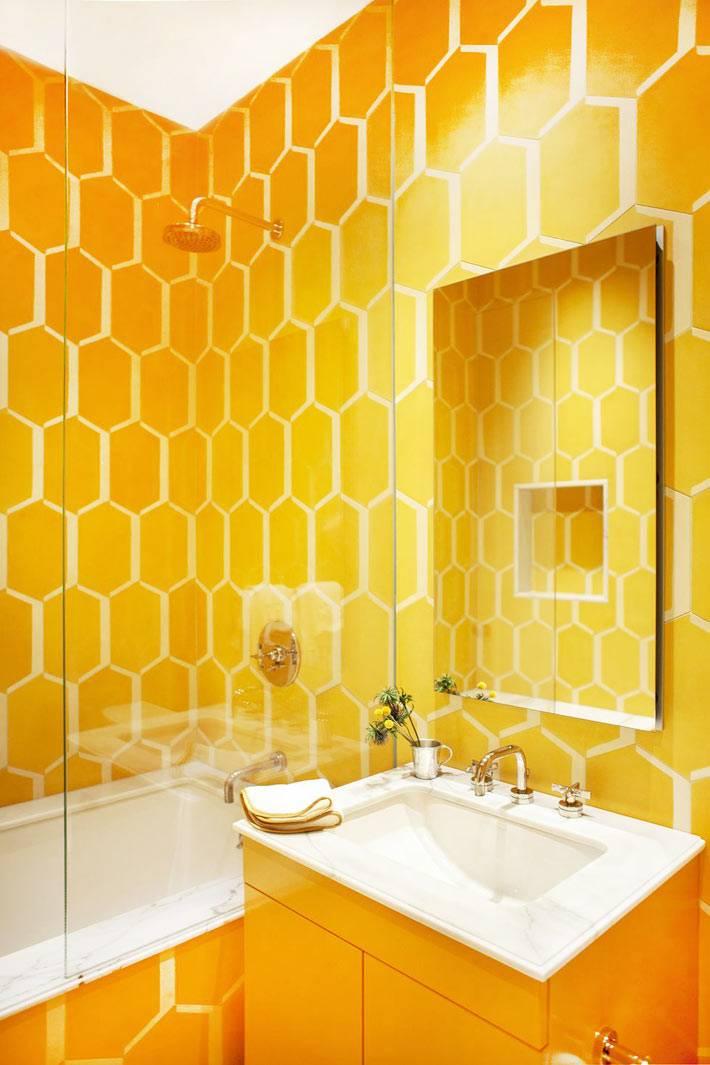 ярко-желтый цвет для оформления ванной комнаты для детей