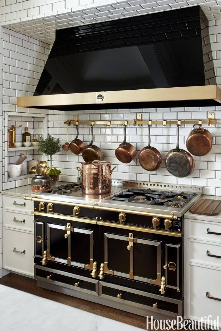красивая и правильная организация рабочей зоны на кухне