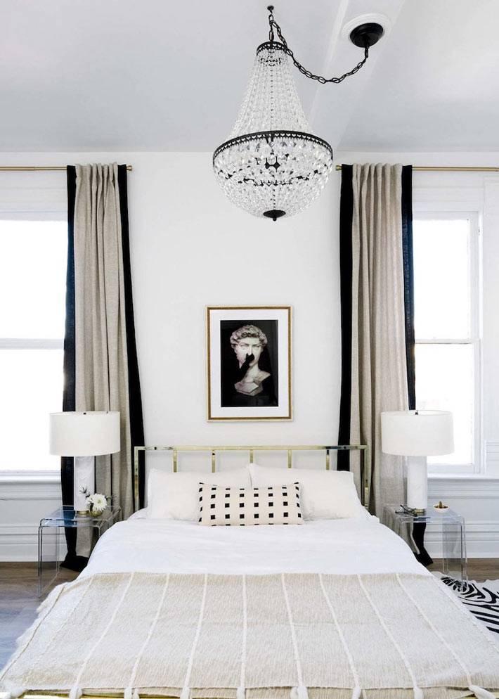 изысканный дизайн интерьера спальни с черными деталями