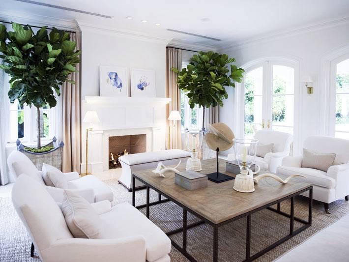 светлые оттенки подобраны для оформления гостиной комнаты