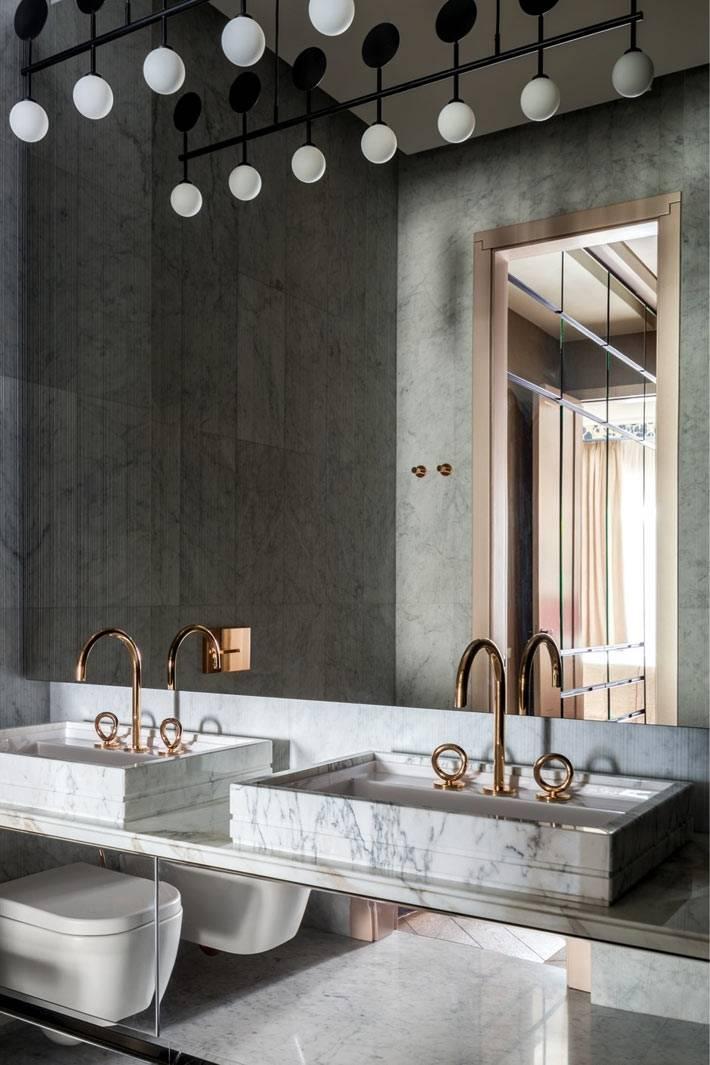 зеркало во всю стену в ванной комнате фото