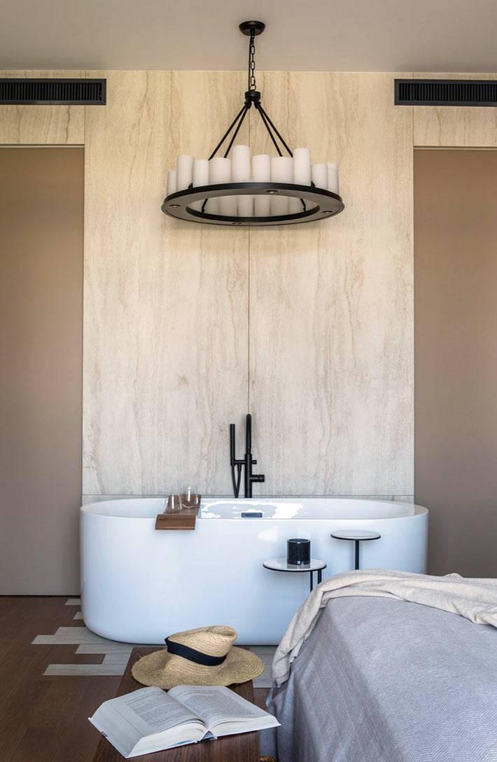 плитами из керамогранита облицована стена за ванной фото