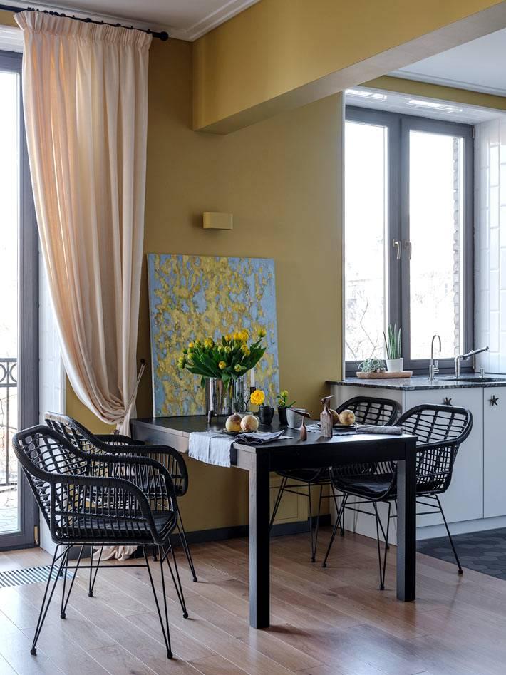 зонирование между комнатами при помощи потолочной балки