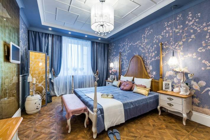 красивая спальня с мотивами шинуазри
