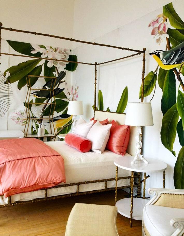 фотообои с крупными зелеными листьями и цветами в спальне