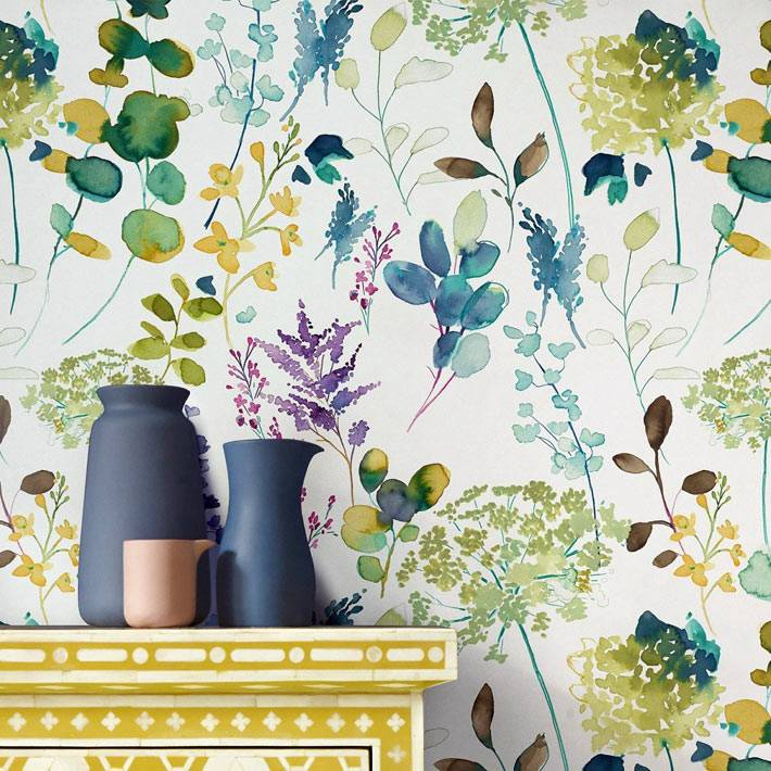 роспись стен в цветочной тематике - мелкие цветы и растения на стенах