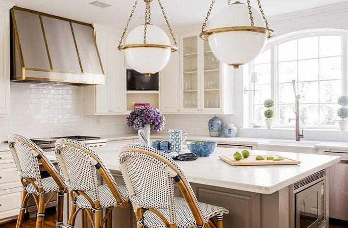 современная кухня с плетёной мебель. из ротанга фото