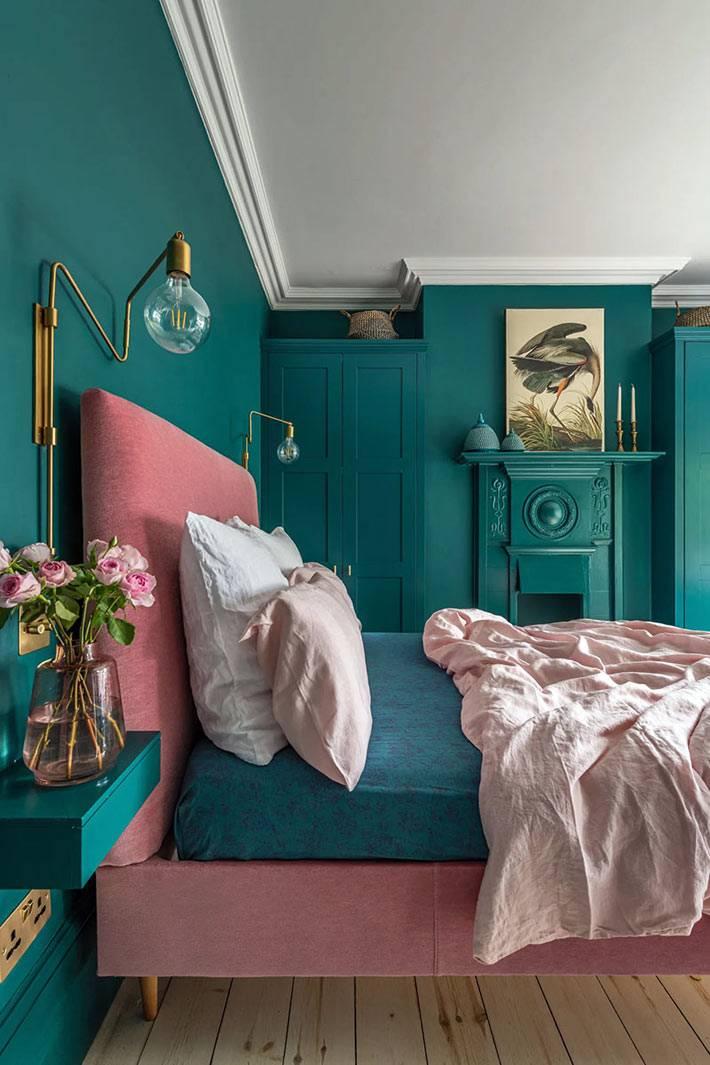 зелёный бутылочный цвет на стенах спальни фото