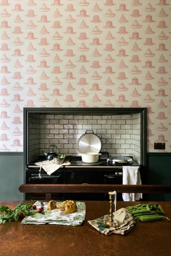 кухонная плита вспециальной нише в стене кухни