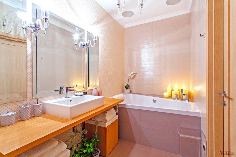 светлый розовый кафель для отделки стен ванной комнаты
