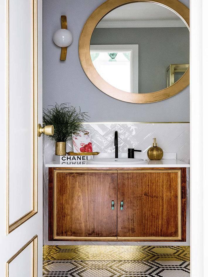 красивая мелкая мозаика на полу ванной комнаты фото