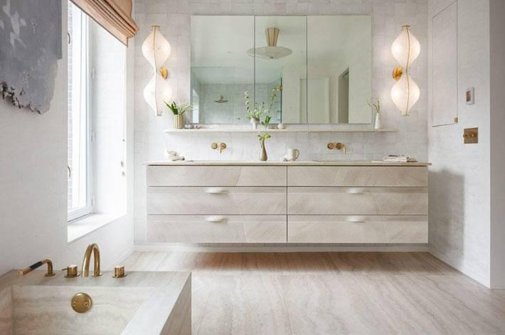 мрамор и мраморный принт в дизайне шикарной ванной комнаты