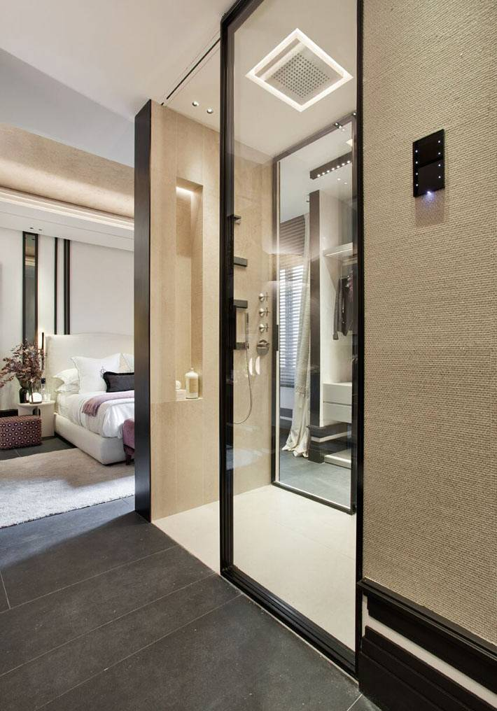 ванна в отдельном блоке в интерьере спальни фото