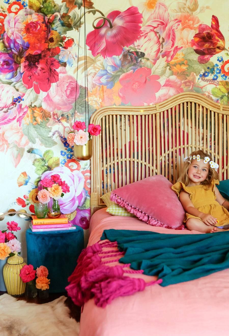 Love it! Розовая спальня в цветах и бархате