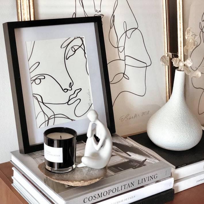 женские картины, нарисованные карандашом на консоле