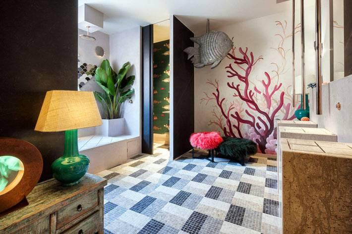 стены ванной разрисованы в морском стиле фото