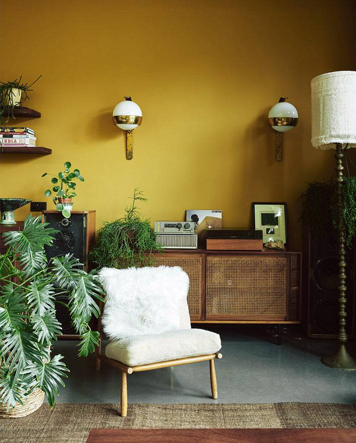 мебель из переработанных материалов наполняют дом
