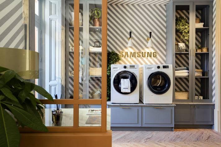 стиральная и сушильная машины Самсунг на кухне фото