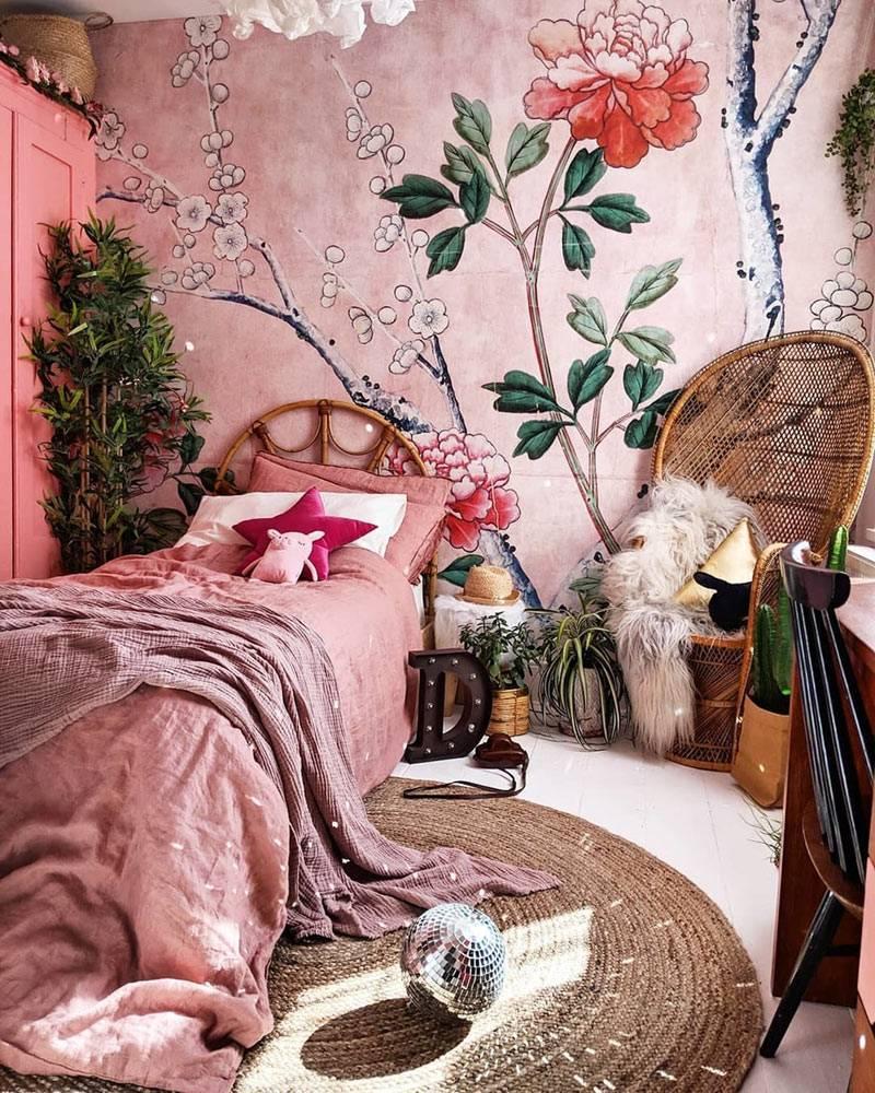 роспись на стене в детской комнате, спальня для девочки