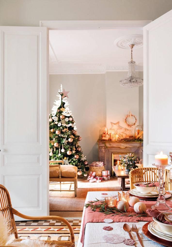 праздничная атмосфера в доме, новогодний стол