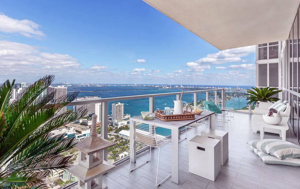 терраса из квартиры с видом на море фото