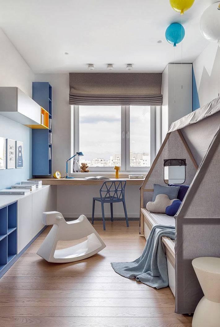 детская в бело-голубом цвете, кровать в виде домика фото