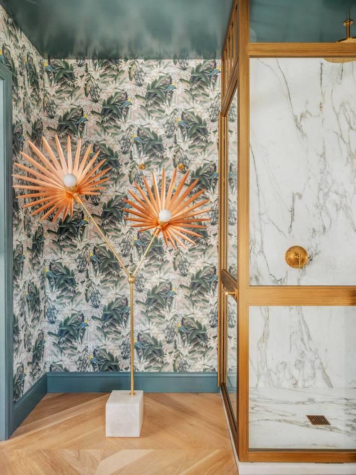 напольный светильник в виде цветка из латуни фото