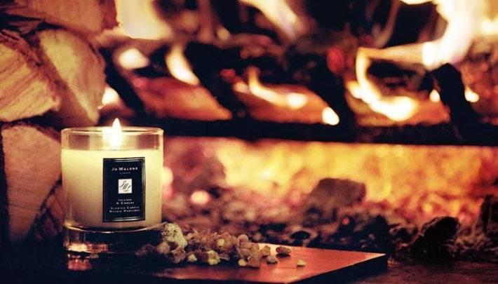 свечи с запахом для зимнего дома с камином фото