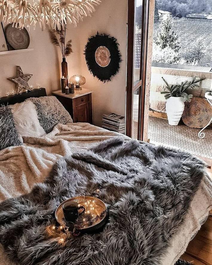 покрывало для кровати из искусственного меха серого цвета