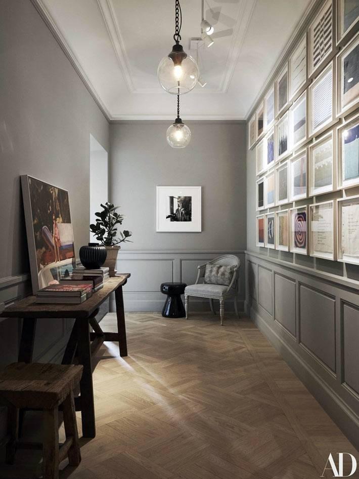картинная галерея в сером коридоре квартиры фото