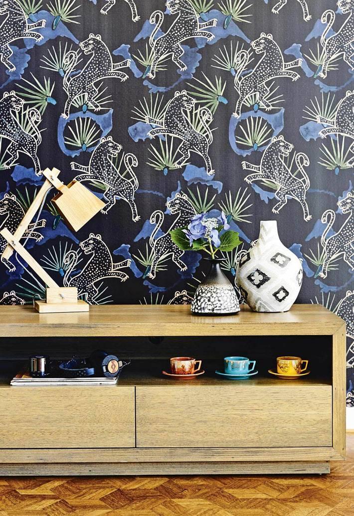 насыщенные синие обои с абстрактным рисунком фото