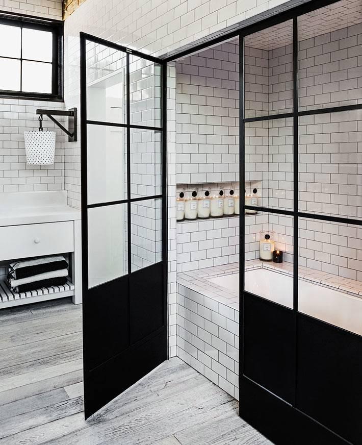 Стеклянная перегородка вместо шторки для душа в ванной комнате