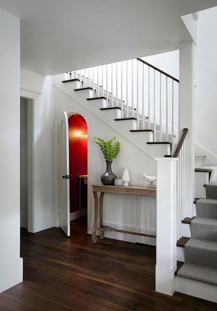 Эффектные современные лестницы в интерьере