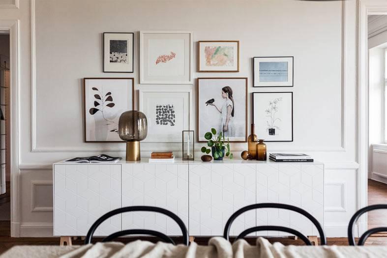 как развесить фото на стене гостиной