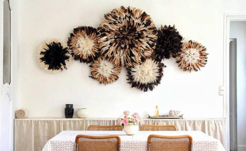 большие вязаные круги как декор для стены