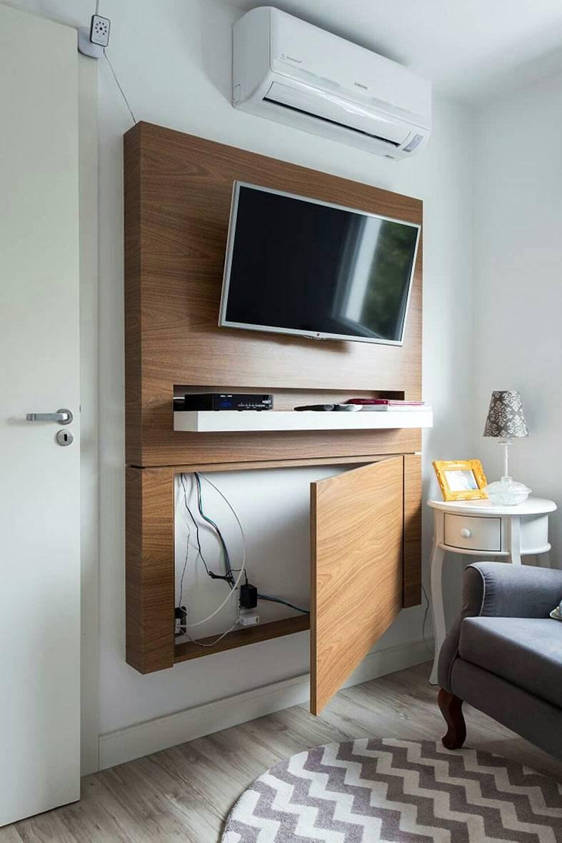 деревянный короб вокруг телевизора, чтобы прятать провода