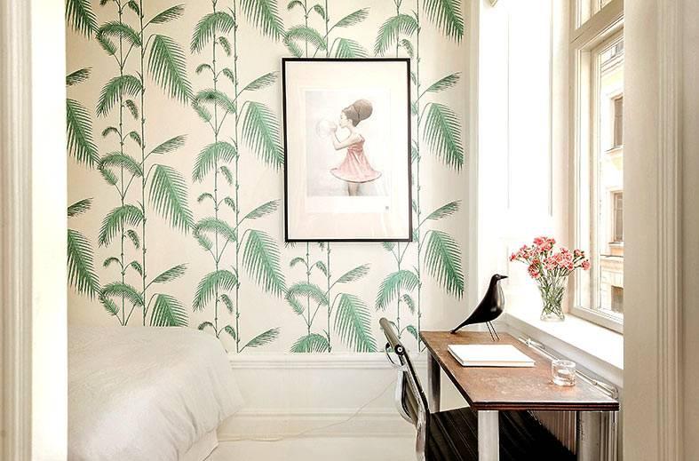 скандинавский минимализм в спальне с красивыми обоями