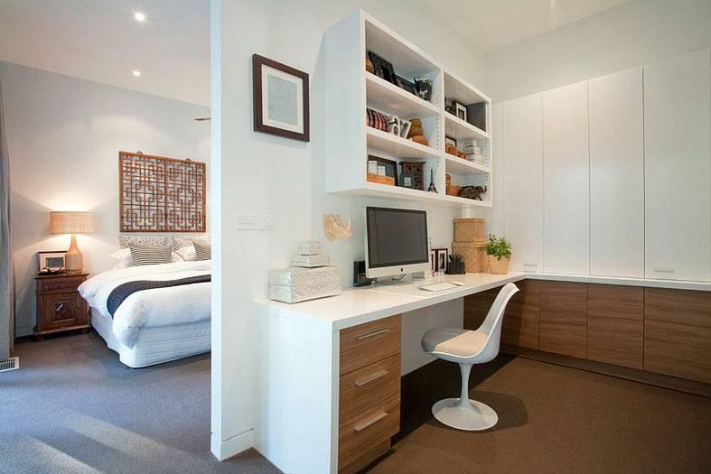 большая спальня с отдельной комнатой для работы