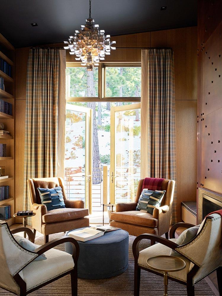 комната для отдыха и чтения с выходом на балкон