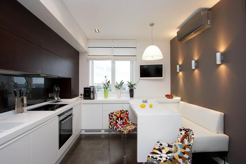 черно-белая контрастная кухня с телевизором фото