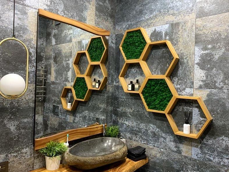 декор для ванной - полки в форме сот с мхом фото