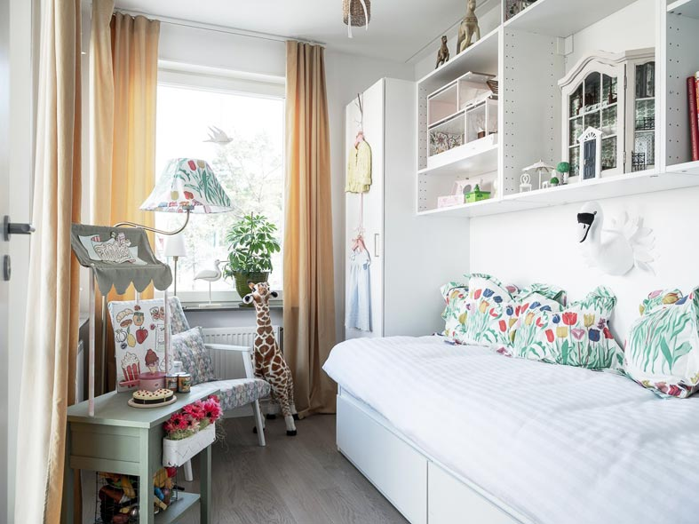 узкая детская комната, как расставить мебель