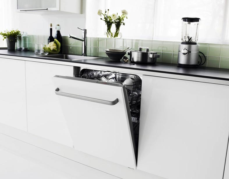 белая кухня в стиле ретро фото