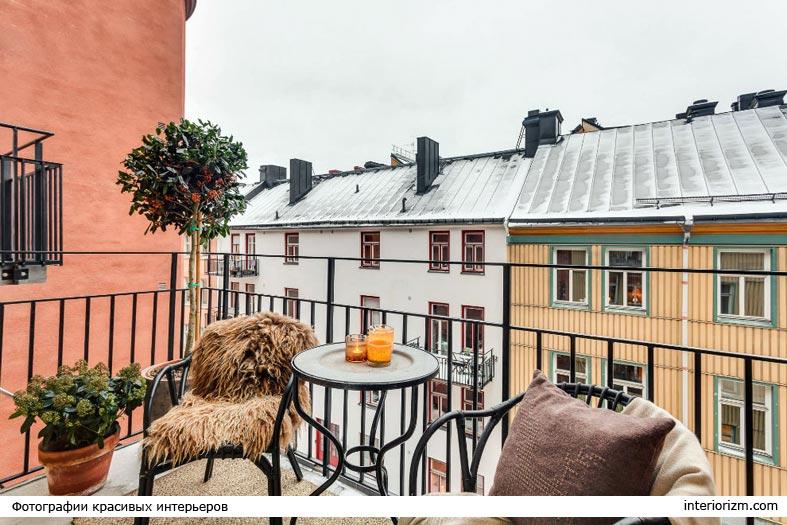 меховые накидки на стулья на балконе