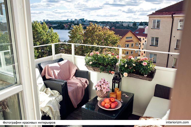 черная плетеная мебель для открытых балконов