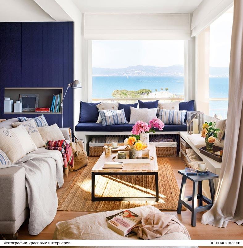классическое сочетание синего и белого в квартире
